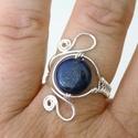 Lapis lazuli gyűrű, ezüst szín dróttal, állítható/szabályozható méret, A nyári éjszakák csillagos égboltját idéző,...