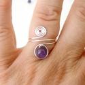 Trendi ametiszt gyűrű, kézműves drótékszer, Ékszer, Esküvő, Gyűrű, Esküvői ékszer, Drót technikával, kézzel készített ásvány gyűrű, lila árnyalatú, kis ametiszt golyóval (6mm), ezüstö..., Meska