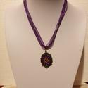Organza nyaklánc festett medállal, Ékszer, Nyaklánc, Medál, 40 cm hosszú lila organza lánc kézzel festett medál alappal., Meska