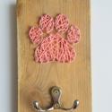 Póráztartó string art, Állatfelszerelések, Dekoráció, Otthon, lakberendezés, Kutyafelszerelés, Póráztartó string art kivitelben. Keskeny mérete miatt a legkisebb előszobafalon is elfér. Ké..., Meska