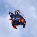 Textil játék - űrlény, földönkívüli, Játék, Dekoráció, Plüssállat, rongyjáték, Kék pöttyös anyagból készült kedves játékfigura. Az égből pottyant hozzánk ez a különleges űrlény, n..., Meska