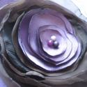 Kitűző lila barna rózsa, Ruha, divat, cipő, Szatén, organza bross. Lila, barna variáció lila gyönggyel. Gyöngydíszítéssel, nőies, finom..., Meska
