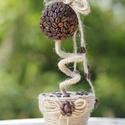 Kávé Fanny, Dekoráció, Otthon, lakberendezés, Kaspó, virágtartó, váza, korsó, cserép, Dísz,  Kávé virág, aminek a virága polisztirol golyóra ragasztott kávészemek adják, a cserepet hag..., Meska
