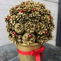 Mini tobozbokor aranyban, Dekoráció, Ünnepi dekoráció, Karácsonyi, adventi apróságok, Karácsonyi dekoráció, Asztaldísz,  Az ünnepi hangulatot a szép asztali díszek emelik. Ez a kis tobozbokor cserépbe ültetve, arany..., Meska