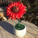 """Piroska, Dekoráció, Mindenmás, Otthon, lakberendezés, Kaspó, virágtartó, váza, korsó, cserép, Elkészült a Napocska testvére:Piroska is! A virág"""" magvas"""" része polisztirol golyóra ragasztot..., Meska"""