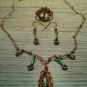 Vörösréz ékszer szett zöld gyöngyökkel, Ékszer, óra, Ékszerszett, Gyűrű, Nyaklánc, Horgolás, Ékszerkészítés, Vörösréz és smaragdzöld színű gyöngyök felhasználásával készítettem ezt a  mutatós ékszer szettet: ..., Meska
