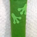 Békás tolltartó, Mindenmás, Varrás, Egyedi tervezésű, minden részletében kézzel készült békás tolltartó. Gombbal záródik. Vastagabb cer..., Meska