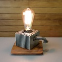 Motor alkatrészből asztali / függő lámpa, Otthon, lakberendezés, Lámpa, Fali-, mennyezeti lámpa, Asztali lámpa, Mindenmás, Motor alkatrészből asztali lámpa de igény esetén fali vagy mennyezeti lámpakánt is el tudom készíte..., Meska