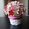 Virágos asztali dísz, Dekoráció, Dísz, Papír virágokból készült dísz. A színeivel becsempézhetjük a tavaszt a lakásba. Egyedi ké..., Meska