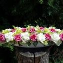 Pink-zöld habrózsás asztali dísz I., Dekoráció, Esküvő, Otthon, lakberendezés, Esküvői dekoráció, Mindenmás, Virágkötés, Csónak alakú fehér kerámiatálat ( 40 cm ) töltöttem meg színes habrózsákkal - üde s egyben vadító h..., Meska