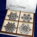 Karácsonyi díszek karácsonyfadísz díszdobozban 8 db, Dekoráció, Ünnepi dekoráció, Dísz, 4 különböző féle, 8 db egyedi dísz, fából, hozzá szintén fa díszdoboz. Lézerrel és kézzel készített ..., Meska