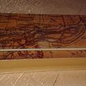 Díszdoboz / Tolltartó, Dekoráció, Ékszer, Otthon, lakberendezés, Tárolóeszköz, Papírból készült doboz 18, 5 x 9, 5 x 2, 5 cm . Dekupázs technikával , lakkozva ., Meska
