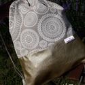Gymbag / Fesztiválbag /hátizsák arany textilbőr alappal, színes lenvászon felső résszel
