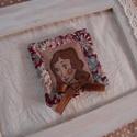 Chirory Hölgy 2. - textil bross, kitűző, Ékszer, Bross, kitűző, Varrás, Ez a kis bross saját tervezés és rajz alapján készült, egyetlen darab kapható belőle. Kitűnő dísze ..., Meska