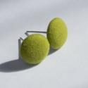 Pacher részére lefoglalva zöld fülbevaló, Vidám élénk zöld anyaggal vontam be a gombot, ...