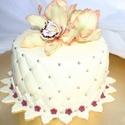Cukorvirág tortadísz, Esküvő, Dekoráció, Esküvői dekoráció, Ünnepi dekoráció, Mindenmás, Mézeskalácssütés, Egyedi kézzel, drótozott technikával készített cukorvirág.Megtévesztésig hasonlítanak az eredetihez..., Meska
