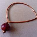 Purple, Ékszer, Karkötő, Vörösrézből kalapáltam ezt a szokatlan formájú karkötőt. Egy szem gömbölyded lámpagyöng..., Meska