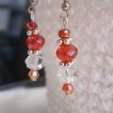 """""""Piros varázs"""" fülbevaló, Ékszer, Fülbevaló, Piros, narancs és áttetsző, üveggyöngyökből és Swarowski gyöngyökből készült ez a fülb..., Meska"""