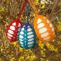Horgolt húsvéti tojás csomagban, Dekoráció, Ünnepi dekoráció, Húsvéti díszek, 3 db horgolt húsvéti tojás.  Hungarocell tojás horgolt díszítéssel. A tojások mérete: 7 cm ..., Meska
