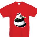 Pandamacis póló, Baba-mama-gyerek, Ruha, divat, cipő, Gyerekruha, Kisgyerek (1-4 év), Fotó, grafika, rajz, illusztráció, Panni, a dundi panda maci kedvenc időtöltése a bambuszevés. A pólót egy japán állatkerti látogatás ..., Meska
