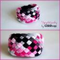TRIBEQUA - textil karkötő, pink/fekete/szürke, Ékszer, óra, Karkötő, Textilkarkötő élénk színekben, lágy vonalakkal extra szélességben.  Hosssza kb 17-18 cm, de ha rende..., Meska