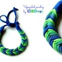 FISHBONE nyaklánc - kék/zöld, Fonott textilnyaklánc szivárvány színekben. Ho...