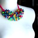 CHENILLE nyaklánc - pink/multicolor, Ékszer, óra, Nyaklánc, Chenille nyaklánc hernyó stílusban. Antiallergén, ahogy az a textilékszereimnél már megszokott. Kérh..., Meska