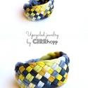 TRIBEQUA - textil karkötő, szürke/sárga, Textilkarkötő élénk színekben, lágy vonalakk...