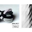 DIAGONAL - textil karkötő, szürke/fekete, Ékszer, óra, Karkötő, Új karkötőkollekció, amely a DIAGONAL névre hallgat.  Antiallergén, ahogy az a textilékszereimnél má..., Meska