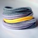 BASIC - textil karkötő, szürke/sárga, Ékszer, óra, Karkötő, Textilkarkötő élénk színekben, lágy vonalakkal.  Hosssza kb 17-18 cm, de ha rendeléskor megadod a cs..., Meska