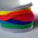 BASIC - textil karkötő, szivárvány, Ékszer, óra, Karkötő, Textilkarkötő élénk színekben, lágy vonalakkal.  Hosssza kb 17-18 cm, de ha rendeléskor megadod a cs..., Meska