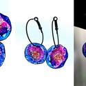 Plabodot Dandelion karikás pillepalack-fülbevaló - kék/lila/narancs, Ékszer, Fülbevaló, Ékszerkészítés, Újrahasznosított alapanyagból készült termékek, Kb 3 cm átmérőjű festett kör 3,5cm-es karikafülbevaló alapon. PETpalack fülbevaló pontozott mintáza..., Meska