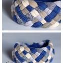 TRIBEQUA - textil karkötő,  kék/drapp, Ékszer, Karkötő, Textilkarkötő élénk színekben, lágy vonalakkal.  Hosssza kb 18-19 cm. Szélessége 3 cm.  Kérhető más ..., Meska