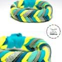 FISHBONE- textil karkötő, sárga/zöld, Ékszer, Karkötő, Textilkarkötő élénk színekben, lágy vonalakkal.  Kb 17-18 cm-es csuklóra készült. Szélessége 2 cm.  ..., Meska