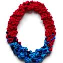 POP nyaklánc - piros/kék, Ékszer, Mindenmás, Nyaklánc, Egyedi textúrájú, saját fejlesztésű pop-textilből készült sokszálas, hátul megkötővel szabályozható ..., Meska