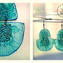 Plabodot Dandelion, félkör fülbevaló - türkiz/zöld, Ékszer, Fülbevaló, PET palackból kézzel készített és festett PLABODOT Dandelion fülbevaló nikkelmentes szerelékkel. Hos..., Meska