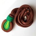 LOOG - medálos textilnyaklánc, zöld/barna, Ahogy megbeszéltük, zöld-barna színátmenettel...