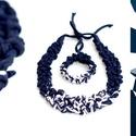 POP ékszerszett - sötétkék-fehér, Ékszer, Mindenmás, Nyaklánc, Egyedi textúrájú, saját fejlesztésű pop-textilből készült sokszálas, hátul megkötővel szabályozható ..., Meska
