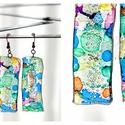 Plabodot fülbevaló - tarka téglalap, Ékszer, Fülbevaló, PET palackból kézzel készített és festett PLABODOT téglalap alakú fülbevaló nikkelmentes szerelékkel..., Meska