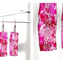 Plabodot téglalap fülbevaló - pink, Ékszer, Fülbevaló, PET palackból kézzel készített és festett PLABODOT téglalap alakú fülbevaló nikkelmentes szerelékkel..., Meska