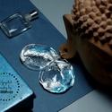 Plabodot Szirén fülbevaló - ezüst/kék, Ékszer, Fülbevaló, Kb 5cm átmérőjű, pillesúlyú, PETpalack fülbevaló pöttyözött mintázattal, selymes fényű, ezüst és kék..., Meska