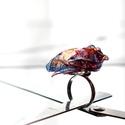 Plabodot RINGRING gyűrű - kék/narancs, Ékszer, Gyűrű, Kb 3 cm átmérőjű, virág alakú, pillesúlyú, PETpalack-szirmokból készült gyűrű mintázva, kézzel készí..., Meska