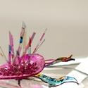 Plabodot Underwater bross - pink/színes, Ékszer, Bross, kitűző, Ékszerkészítés, Újrahasznosított alapanyagból készült termékek, Medúzák, vízinövények, iszap, titkok. kb 6,5*4cm-es, festett, pillekönnyű bross, az Underwater koll..., Meska