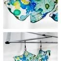 Plabodot Ginkgo fülbevaló - kék/sárga/zöld, Ékszer, Fülbevaló, PET palackból kézzel készített és festett PLABODOT Ginkgo levél alakú fülbevaló nikkelmentes szerelé..., Meska