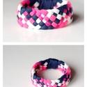 TRIBEQUA - textil karkötő, lazac/pink/acélkék/fehér, Ékszer, Karkötő, Textilkarkötő puha, fonott kivitelben.  Hossza kb 16-18cm. Szélessége kb 3 cm.  Kérhető más színkomb..., Meska