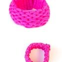 MAQURAM - textil karkötő, pink, Ékszer, Karkötő, Textilkarkötő puha, rusztikus, rugalmas kivitelben.  Kb 16-19cm-es csuklóra passzol. Szélessége kb 3..., Meska