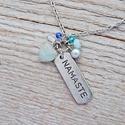 Namaste - nyaklánc világoskék acháttal, Ékszer, Nyaklánc, Az achát stabilizáló és erősítő hatású, elősegíti a belső egyensúlyt.  Az achát kő gyógyít, biztonsá..., Meska