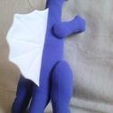 Kék szpinoszaurusz festhető hátvitorlával, Gyerek & játék, Játék, Plüssállat, rongyjáték, Puha, plüsshatású kék játék dinoszaurusz, fehér hátvitorlával, ragasztott mozgószemekkel. Apró szeme..., Meska