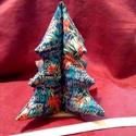 Fenyőfa, Dekoráció, Ünnepi dekoráció, Karácsonyi, adventi apróságok, Karácsonyi dekoráció, Ez a textilből készült, flizzel kitömött kis fenyőfa méltó dísze lehet otthonunknak az adve..., Meska