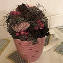 rózsaszín asztali bögrés dekoráció, , Otthon & Lakás, Dekoráció, Asztaldísz, Mindenmás, Szivecskés bögrében készült, rózsaszín színvilágú és termésekből összeállított asztali dekoráció. K..., Meska
